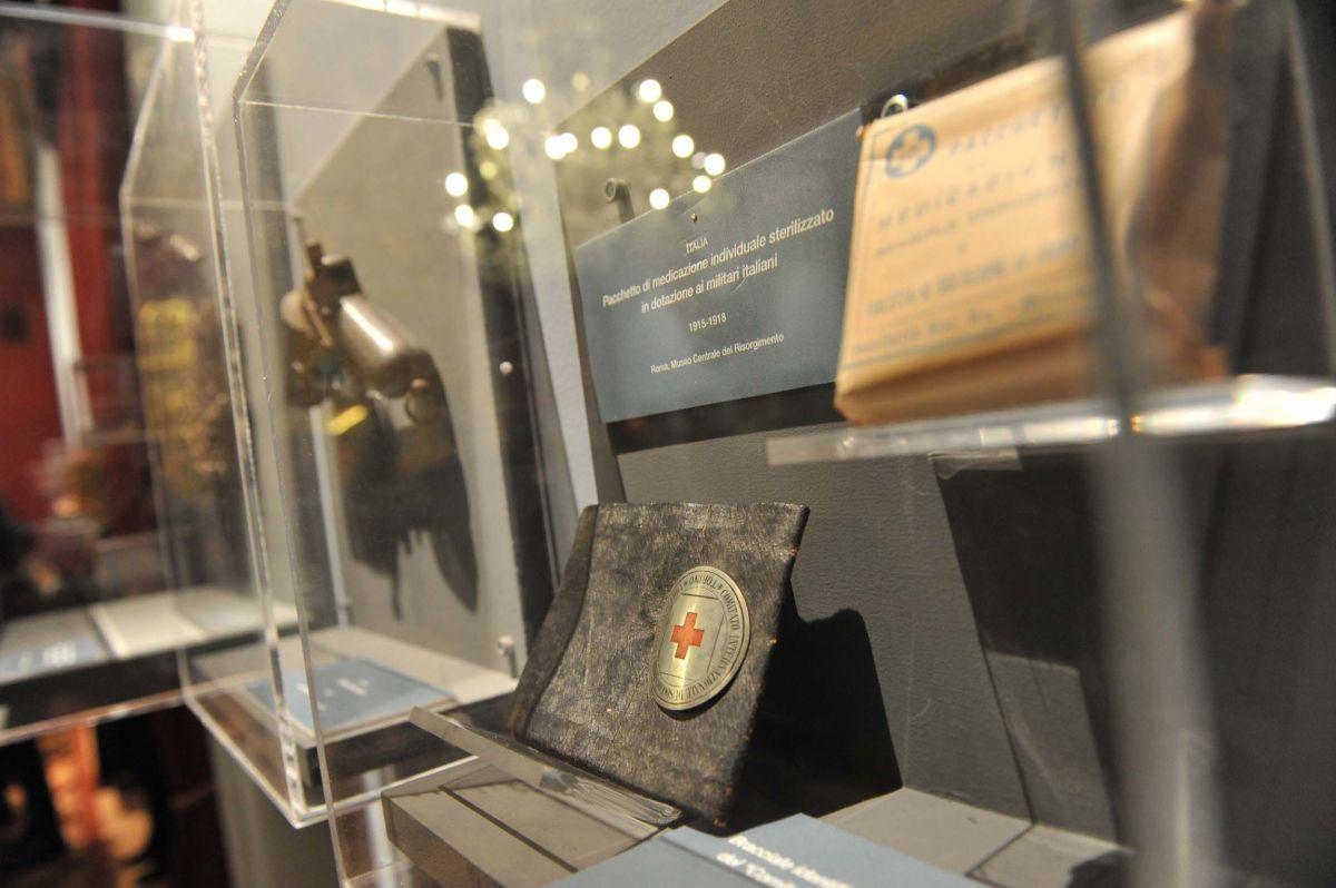 Pacchetto di medicazione utilizzato dai soldati